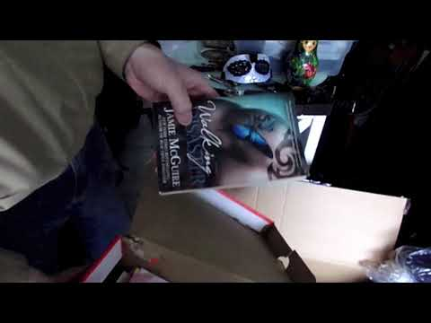 Storage Locker Auction - A Walking Disaster, I'd Like to File a Complaint - Funny Box