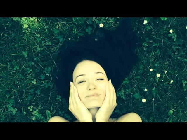 The Girl in 14G -  Paulina Janczak