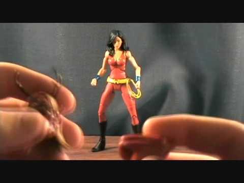 DC Universe Classics Wave 13 Donna Troy figure review