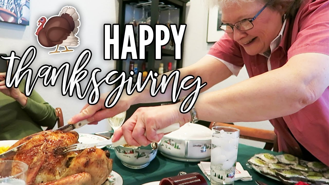 She Doesn't Care About Carving The Turkey.. | Thanksgiving 2018