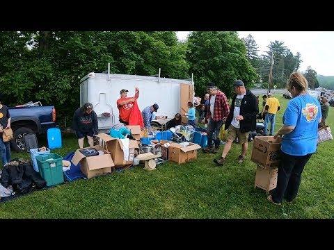 UNBELIEVABLE FLEA MARKET SCORE! Flea Market Treasure Hunting For Antiques