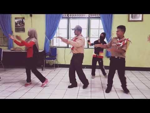Goyang Nasi Padang Ala Persit Dan Pramuka Saka Wira Kartika Kodim 1012/Btk