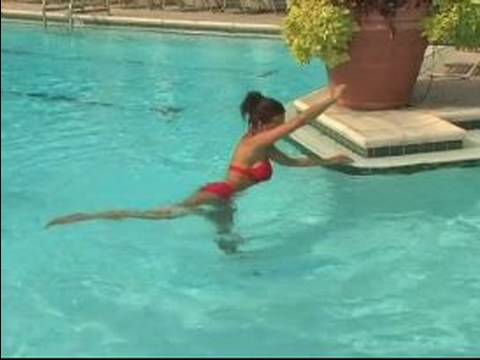 Basic Aqua Fitness & Pool Workouts : Stretching Your Obliques for a Pool Workout