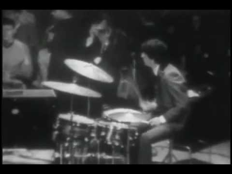 I Want To Hold Your Hand - The Beatles (Live In Washington 1964) Live!