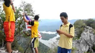 Bukit Tabur Pemasangan Bendera Malaysia.