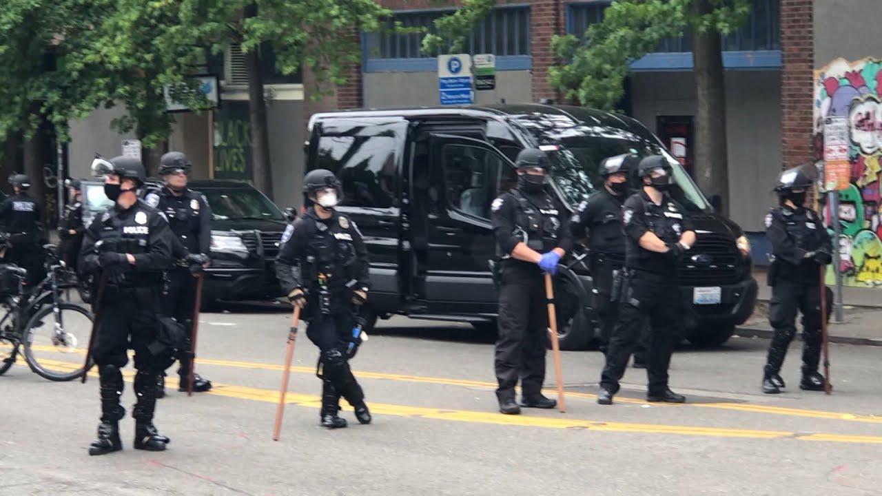 Полиция США зачистила «автономную зону» протестующих в Сиэтле