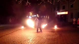 Фаер- шоу (огненное шоу) в Кропивницком 1 января 2018 года на центральной площади