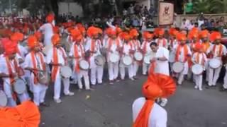 Dhol nagade Hindi sanskruti ka parcham