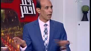 """بالفيديو  داعية إسلامي يرفع حذائه في وجه """"أزهري"""" على الهواء"""