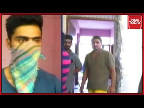 Armed Dacoits Loot Law College Hostel In Ghaziabad, UP