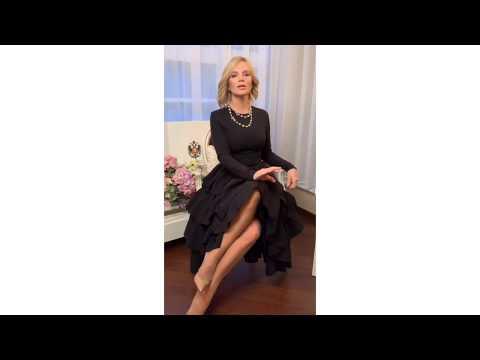 Сексуальные жесты элегантной женщины Marii Boucher