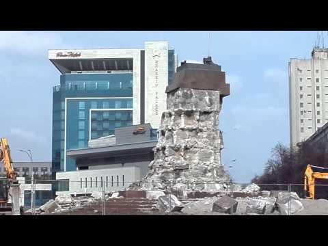 Харьков. Памятник Ленину. 11.04.2016. 13:53.