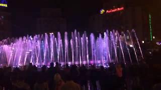 Музыкальные фонтаны на Майдане.