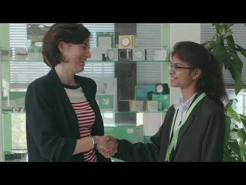 Sakshi, 19 ans, rencontre la fondation Schneider Electric on YouTube