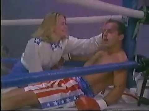 scene from an episode of Moonlighting 1987