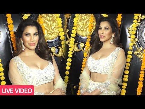 Sophie Chaudhary Photoshoot at Ekta Kapoor Diwali Party 2018 | Full Video