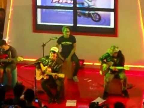 Rocket Rockers - Samalona #Rockshow akustik at Grage Mall Cirebon