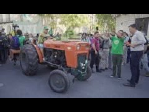 Independent Argentine farmers protest conditions