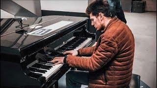 PIANO IMPROVISATION Pt. 2 at Amsterdam Train Station – THOMAS KRÜGER