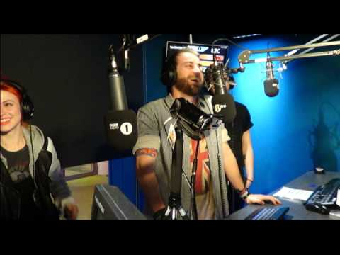 Paramore chat to Grimmy