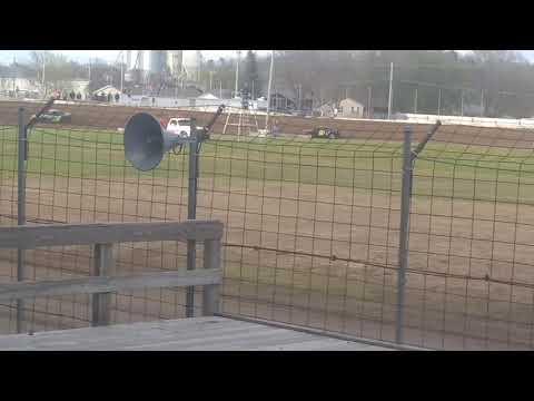 Cresco speedway heat race 5-12-19