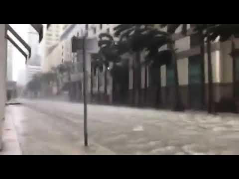 תיעוד: סופה במיאמי ובשדה התעופה בפלורידה Documentation: Storm In Miami And Florida Airport