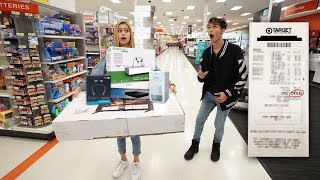 Anything My GIRLFRIEND Can Carry, I\'ll Buy It Challenge!