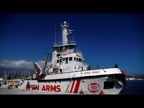 سفينة إنقاذ المهاجرين -أوبن آرمز- تتوجه إلى إيطاليا بعد تعليق محكمة قرار سالفيني  - 11:55-2019 / 8 / 15