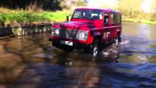 Электромобиль Джип купить   Land Rover Электромобиль Джип купить(http://www.elmob.co/ Подписывайтесь на новые видео: http://www.youtube.com/user/elektromobili?sub_confirmation=1 Давайте дружить кто любит Элект..., 2014-01-17T18:54:01.000Z)