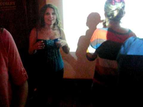LA MACARENA - karaoke Aarhus Dinamarca - Becados Leonardo Da Vinci