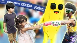 Kai e Clara Encontram Personagens do Jogo Fortnite em Dubai