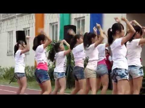 萬華國中2012 校慶表演 注意某個露奶的