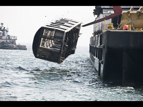 New York Subway Cars are Dumped in the Sea to Create Artificial !!!