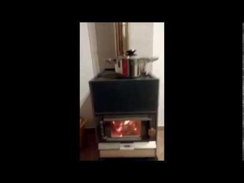 La stufa a legna con la canna piccola 12 ore autonomia youtube - Piccola stufa a legna ...