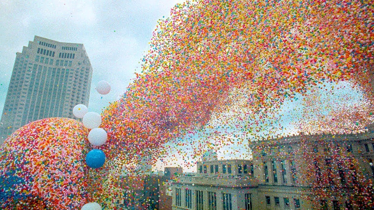 1.5 Milyon Balonun Gökyüzüne Bırakılması Facia İle Sonuçlandı