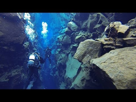 2013-09 ICELAND: Diving between American and Eurasian tectonic plates @ Silfra Cracks