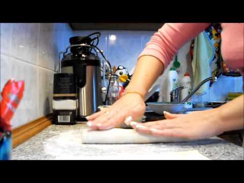 """""""СТРУЛИ"""" - как их готовить? Вкуснейший рецепт.из YouTube · С высокой четкостью · Длительность: 4 мин58 с  · Просмотры: более 826.000 · отправлено: 4-2-2017 · кем отправлено: Кулинарный Лайфхакер"""