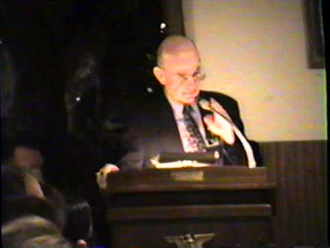 2003 IWHOF inductee Joe Frank, presented by Walt Wenthold