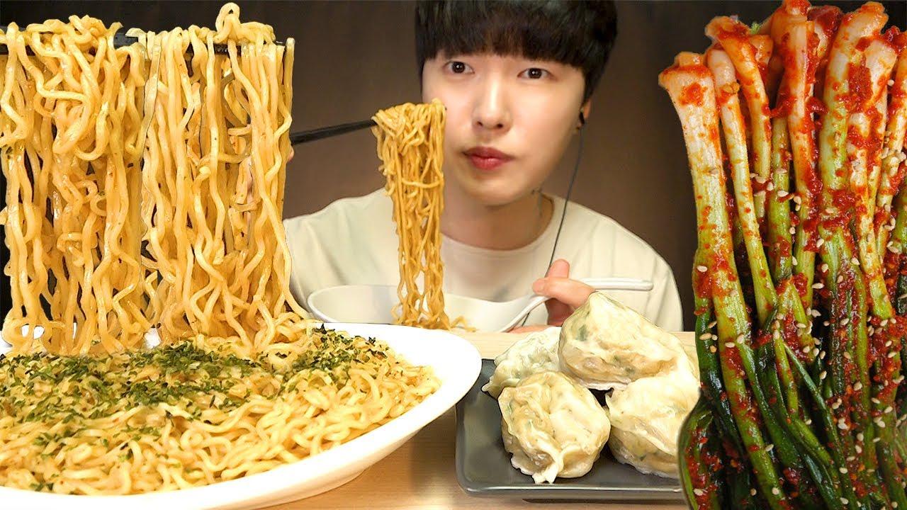 ASMR SPICY INDOMIE MI GORENG Indonesian Noodle & Dumpling MUKBANG EATING SOUNDS 미고랭 파김치 먹방 리얼사운드