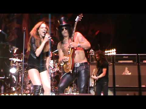 Slash ft. Myles Kennedy & The Conspirators - Out Ta Get Me(Live at HMH).MPG