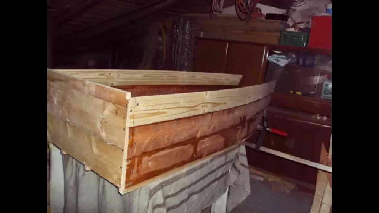 Costruire una barca small boat homemade youtube for Come costruire un piccolo cottage