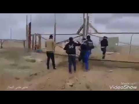 ערבים פורצים את גדר המערכת בגבול עזה