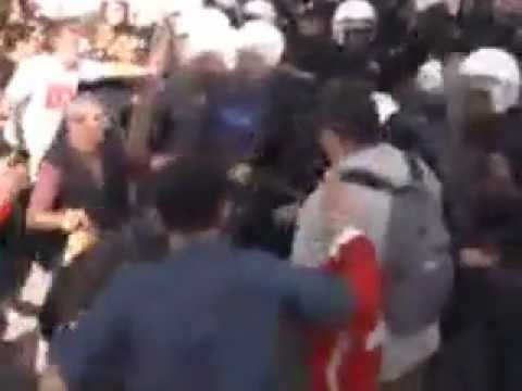 Today's Zaman - Turkish police, protesters clash in capital on Republic Day