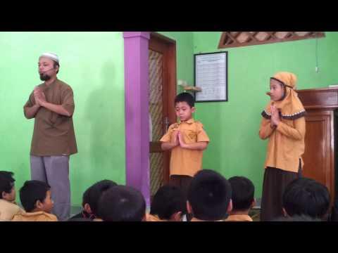 Al-Fatihah dengan Gerakan