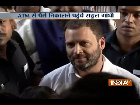 Rahul Gandhi Stands in SBI Bank ATM Queue; Lashes Out at PM Modi for Banning Rs 500 and Rs 1000
