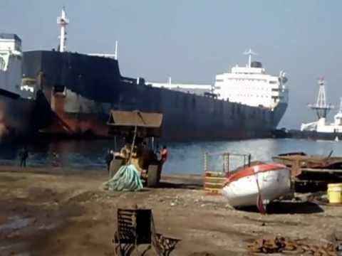 ship dismantling/ Canadian Prospector