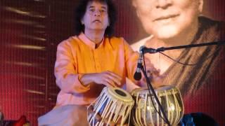 ustad zakir hussain tabla solo in pune part 1