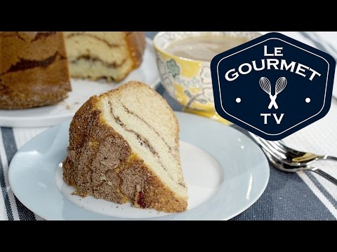 Julie's Coffee Cake Recipe - LeGourmetTV