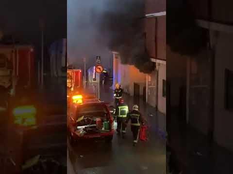 Actuación de los bomberos en un transformador en Agustín de la Oliva