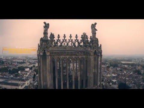 La Cathédrale d'Orléans filmée par un drone